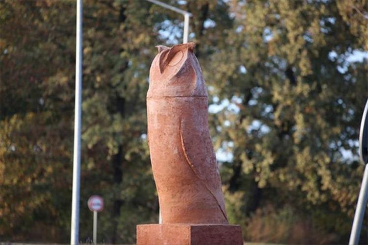 Statua sove u Kikindi
