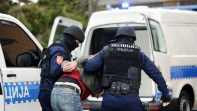 Među uhapšenima u Banjaluci i mladić koji je palio spomenik